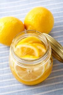 ハチミツとレモンの写真素材 [FYI01426507]