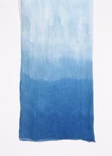 麻の藍染めの写真素材 [FYI01426714]