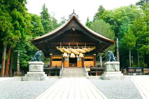 諏訪大社下社秋宮・神楽殿の写真素材 [FYI01427100]
