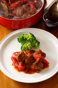 グーラッシュ 牛肉 パプリカ赤の写真素材 [FYI01427104]