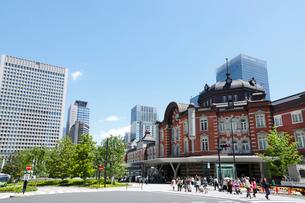 東京駅駅前広場の写真素材 [FYI01427256]