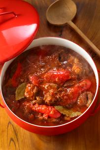 グーラッシュ 牛肉 パプリカ赤の写真素材 [FYI01427317]