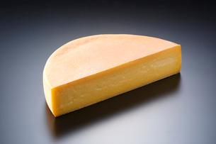ラクレットチーズの写真素材 [FYI01427604]