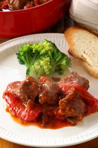 グーラッシュ 牛肉 パプリカ赤の写真素材 [FYI01427712]