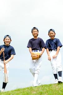 小学生の野球少年の写真素材 [FYI01427873]