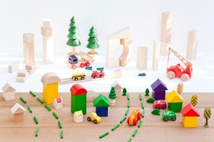 積木の住宅地と商業地区の建設の写真素材 [FYI01428332]