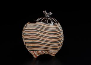 陶器の香炉の写真素材 [FYI01428826]