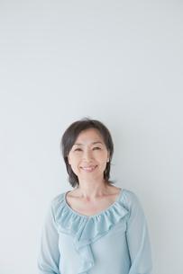 50代女性の笑顔の写真素材 [FYI01432093]