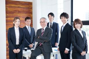 ビジネスチーム6名の写真素材 [FYI01435236]