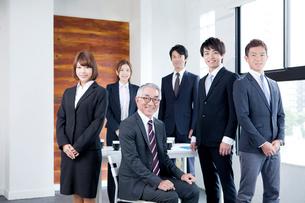 ビジネスチーム6名の写真素材 [FYI01435878]