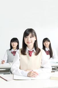授業中の高校生正面の写真素材 [FYI01436234]