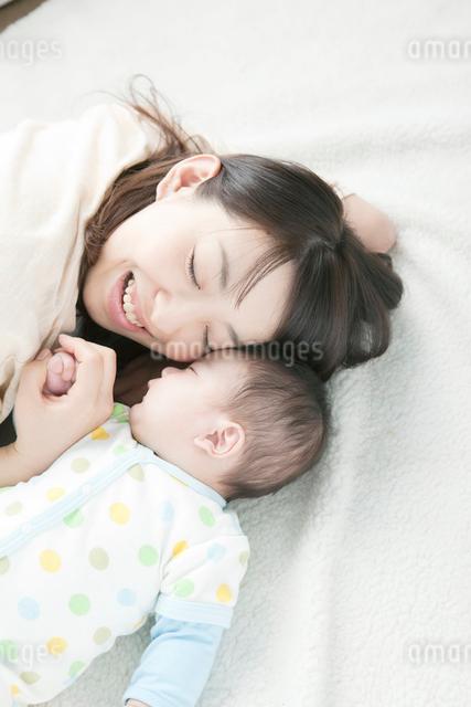 母親と赤ちゃんの写真素材 [FYI01439720]