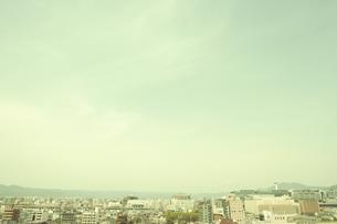 京都タワーとビル群の写真素材 [FYI01440914]