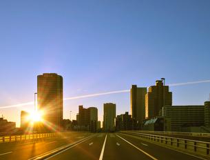 佃大橋から望む初日の出の写真素材 [FYI01441841]