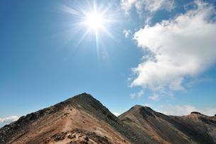 乗鞍岳主峰の剣ヶ峰の写真素材 [FYI01441862]