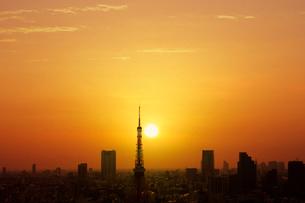 世界貿易センタービルから望む夕日の写真素材 [FYI01441888]