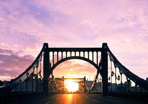 正月の清洲橋と初日の出の写真素材 [FYI01442027]
