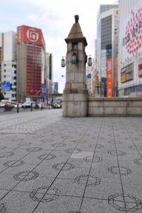 万世橋と秋葉原電気街の写真素材 [FYI01442427]