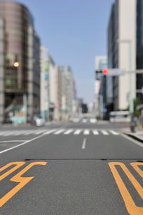 中央通り日本橋3丁目交差点の写真素材 [FYI01442496]