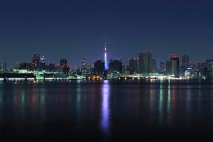 大晦日深夜の東京港の写真素材 [FYI01442513]