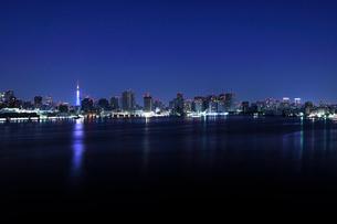 大晦日深夜の東京港の写真素材 [FYI01442568]