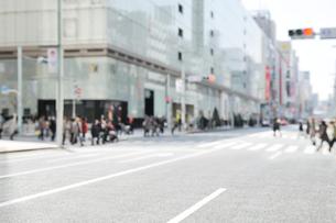 銀座3丁目の交差点の写真素材 [FYI01442722]