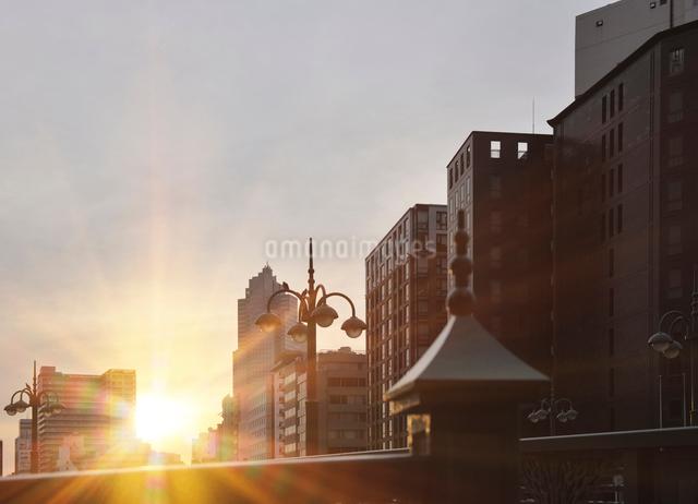 三吉橋と朝日の写真素材 [FYI01443477]