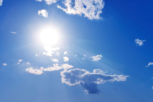 太陽と雲の写真素材 [FYI01443517]