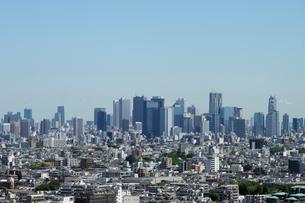 練馬区役所展望ロビーから見る新宿方向の眺めの写真素材 [FYI01443638]