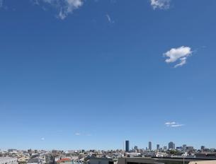 三階屋上から見る豊島区住宅街の眺めの写真素材 [FYI01443700]