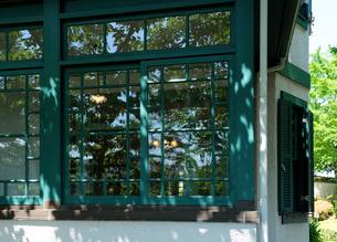 西洋風の窓ガラスの写真素材 [FYI01444067]