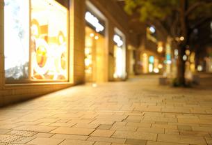 夜の六本木けやき坂通りのイルミネーションの写真素材 [FYI01444282]
