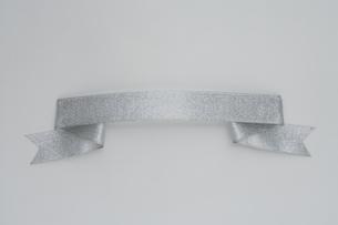 シルバーのリボンの写真素材 [FYI01446768]