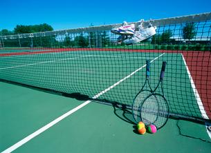 コートとテニス道具の写真素材 [FYI01450196]