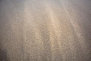 波打ち際の砂の写真素材 [FYI01450827]