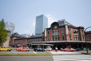 東京駅前の写真素材 [FYI01451062]