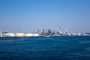 根岸湾臨海工業地帯の写真素材 [FYI01452973]