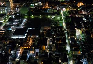 夜の街の写真素材 [FYI01453272]
