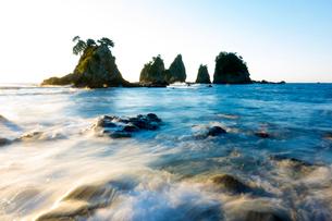 朝の蓑掛岩の写真素材 [FYI01453604]