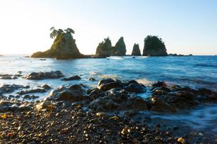 朝の蓑掛岩の写真素材 [FYI01453616]