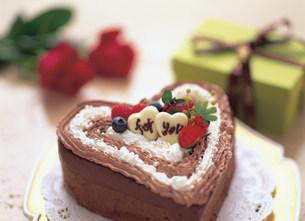 ハートのチョコレートケーキの写真素材 [FYI01453813]