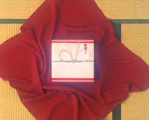 風呂敷と贈り物の写真素材 [FYI01455316]