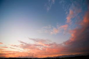 夕焼け雲の写真素材 [FYI01456040]