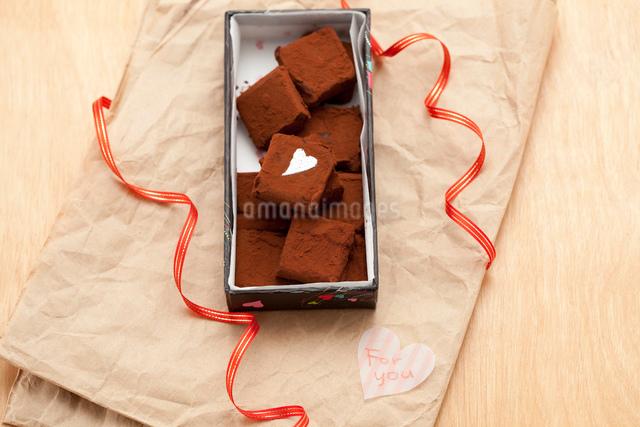 手作り生チョコプレゼントの写真素材 [FYI01456238]