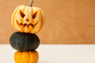 ハロウィンかぼちゃ(ジャック・オ・ランタン)の写真素材 [FYI01456313]