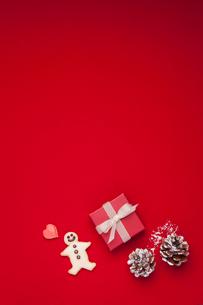 クッキーとプレゼントの写真素材 [FYI01456647]