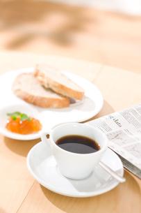 パンとマーマレードジャムの写真素材 [FYI01456668]