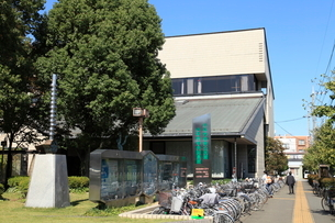 小平市立中央図書館の写真素材 [FYI01457887]