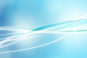 ブルー背景と波のような光の曲線のイラスト素材 [FYI01459852]