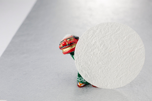 ミニ獅子舞のオブジェの写真素材 [FYI01460074]